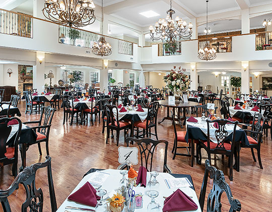 Dining is always a treat at Parkview in our beautiful dining room where chef-prepared meals are served twice daily.