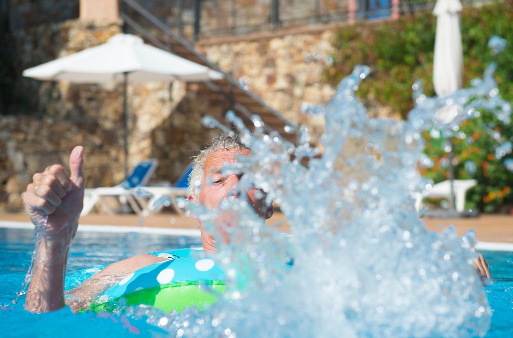 """Summer """"Safe""""cation Travel Tips for Seniors"""